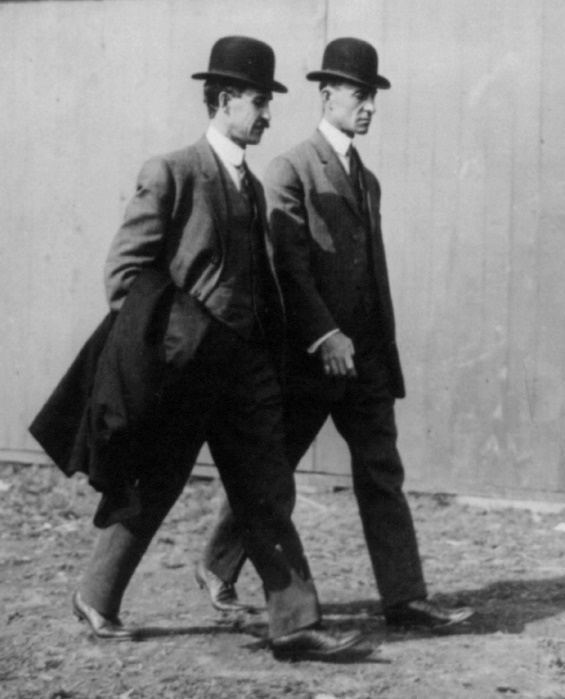 Wright_Brothers_in_1910[1]
